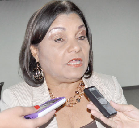 Diputada-Gladys-Requena_20feb2015