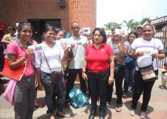 MinMujer - Noticias - 2016-05-03 19_40_44 - 137 familias del edo. Vargas fueron beneficiadas con la Tarjeta de Misiones Socialista_0